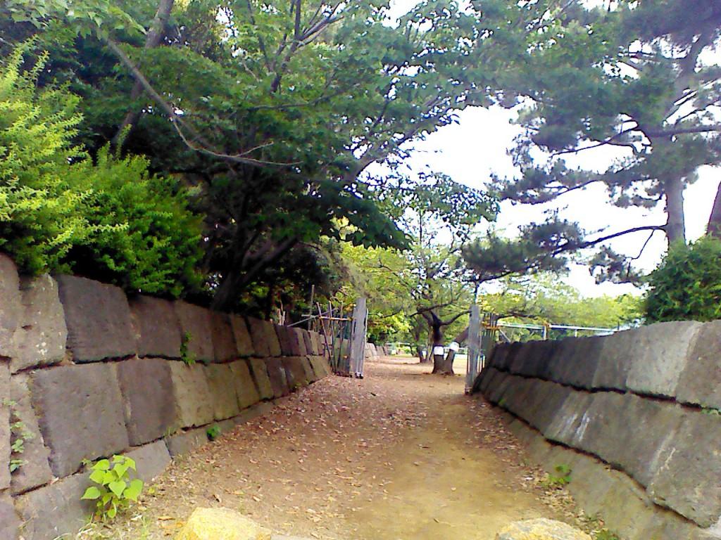 晴海埠頭公園バーベキュー広場後方入口1
